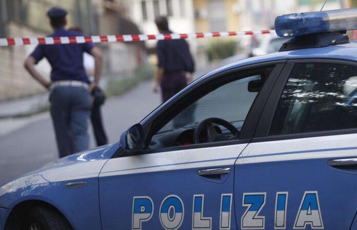 San Giovanni a Teduccio: per sfuggire alla Polizia, cade da un terrazzo