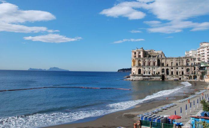 Napoli, turista travolto da gommone a Posillipo: prognosi riservata