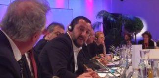 """Migranti, è lite tra Salvini e il ministro del Lussemburgo: """"Mer..."""""""
