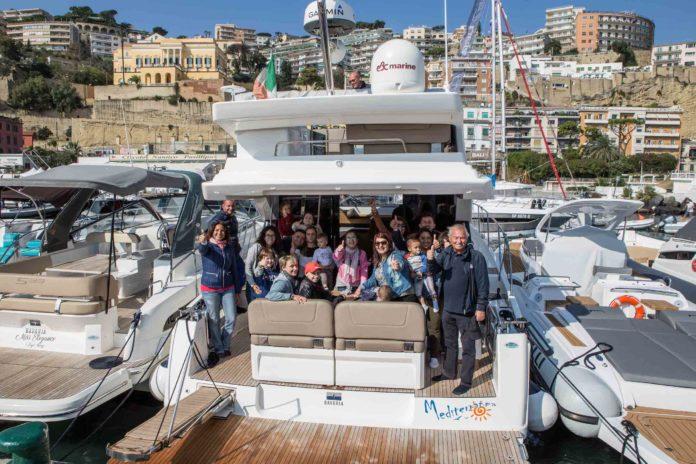Navigare ospita 20 bambini del Santobono-Pausilipon per una gita in barca