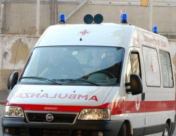 Pozzuoli: Sperona l'auto della sua ex e picchia con violenza la donna. Arrestato 54enne