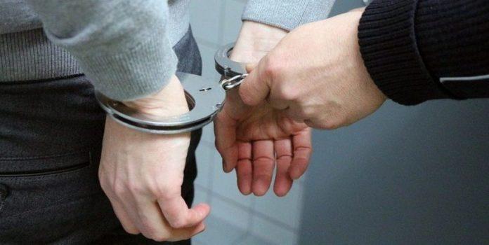 Cronaca di Napoli: rapinano uno minorenne minacciandolo con un punteruolo