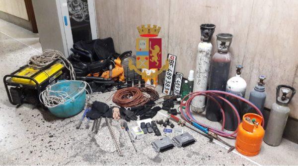 Napoli, sgominata la 'banda del buco': otto arresti
