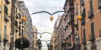 "Luci d'artista, a Salerno ""spuntano"" limoni tra le luminarie"