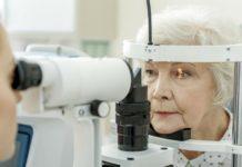 Maculopatia, retina artificiale impiantata su 5 pazienti non vedenti