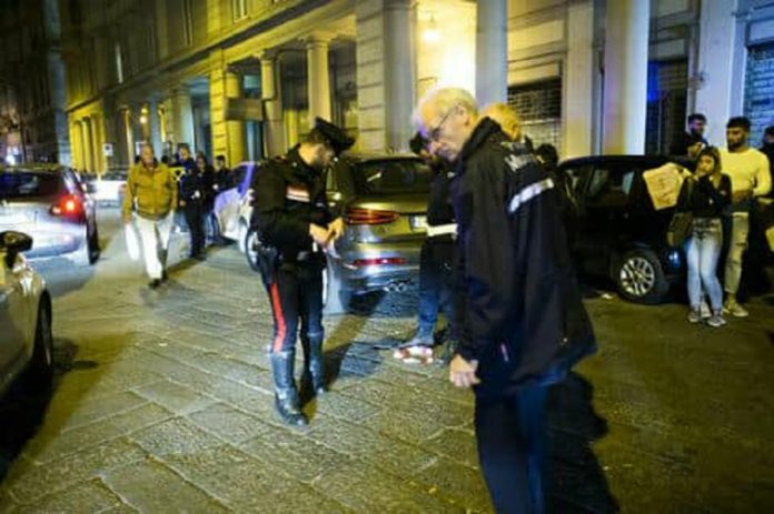 Napoli, sparatoria con la polizia: morto rapinatore 17enne