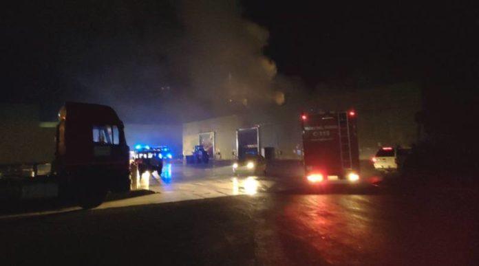 In fiamme lo Stir di Santa Maria Capua Vetere: bruciate tonnellate di rifiuti