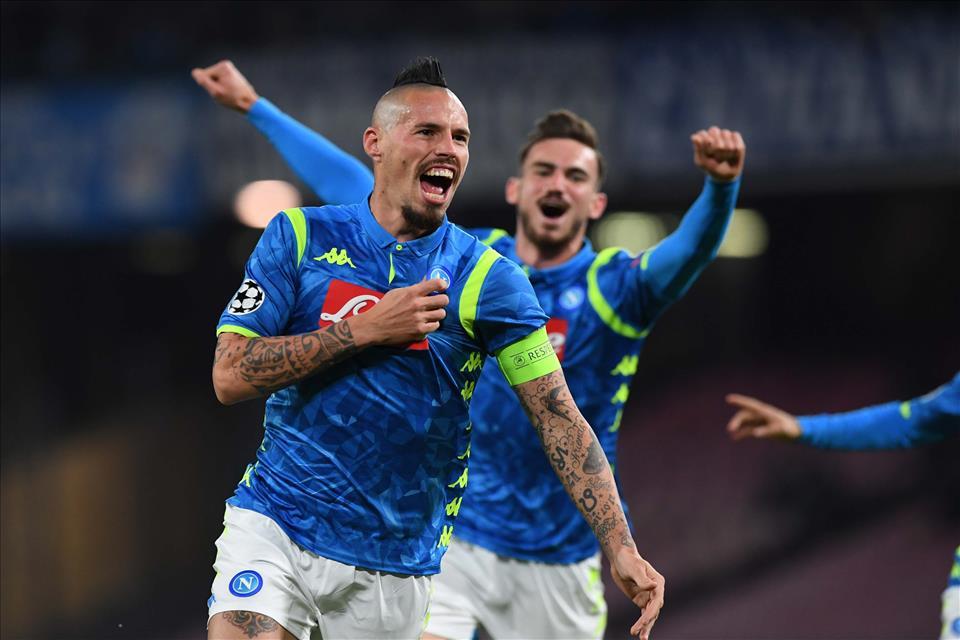 Calcio Napoli, 3-1 alla Stella Rossa ma tutto è rimandato all'utima giornata