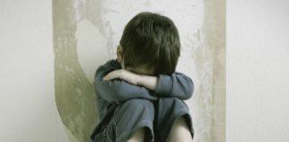 Choc a Qualiano: bidello arrestato per abusi su alunno