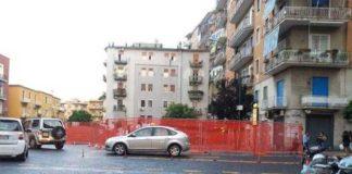Napoli, il cantiere di piazza Leonardo in preda al degrado