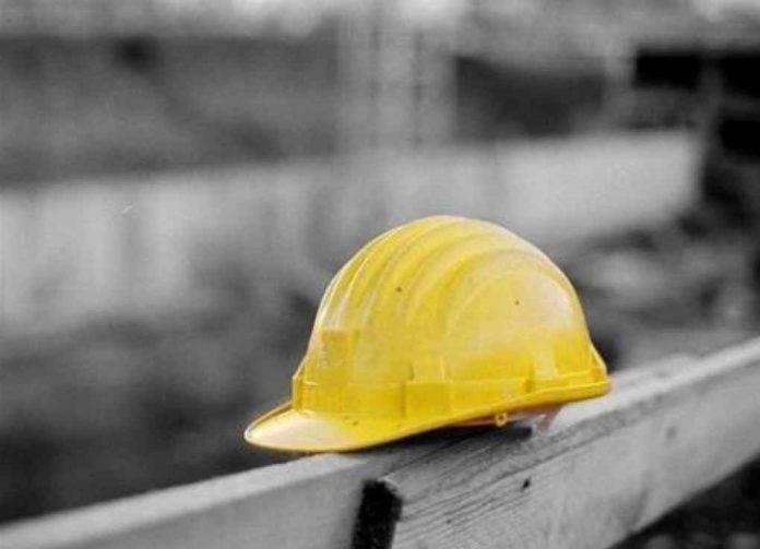 Pozzuoli, dramma sul lavoro: operaio precipita da impalcatura e muore