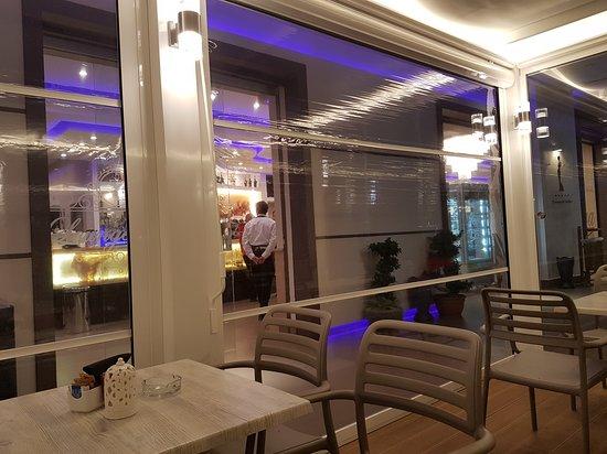 Giuliano in Campania, sequestrato il 'Diva Cafè'