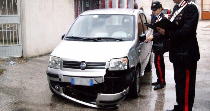 Cercola: scooter contro auto e fuga di entrambi i conducenti. Muore un 22enne di Ponticelli. Era sullo scooter guidato dall'amico sotto l'effetto di droga.