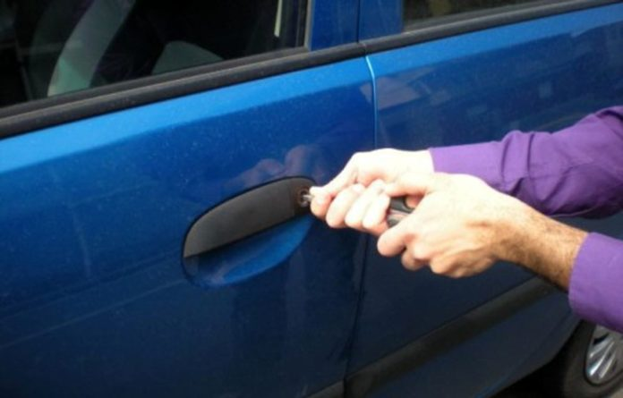 Avellino, entra in garage per rubare auto: arrestato 62enne