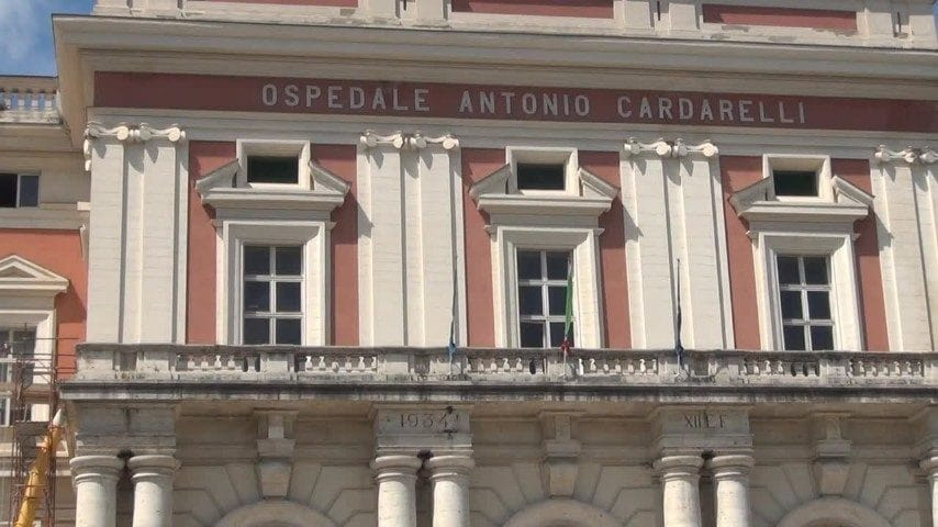 Ospedale Cardarelli, pronto soccorso: due medici per 70 pazienti
