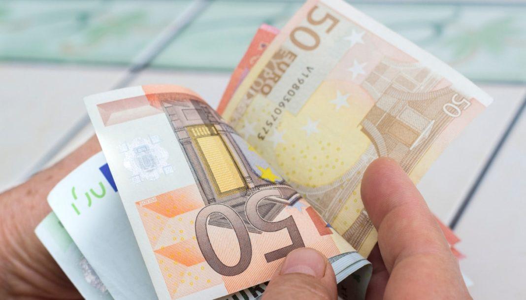 Reddito di cittadinanza, l'annuncio di Tridico: 156 euro in più a figlio
