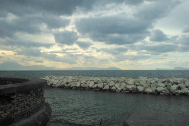 Meteo Campania, un fine settimana tra piogge e schiarite