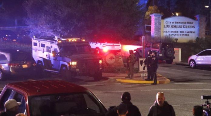 California, uomo irrompe in pub e spara: 13 morti (killer compreso)