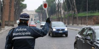 Il caso dei permessi studio per gli agenti della Polizia Municipale di Napoli