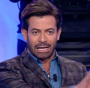 Uomini e Donne, Trono Over: Sossio viene attaccato da Gianni dopo la puntata