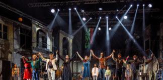Musicanti, il musical con le canzoni di Pino Daniele il 2 agosto all'Arena Flegrea