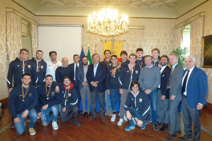 Pallanuoto. La Canottieri Napoli Under 20 è stata premiata a Palazzo San Giacomo