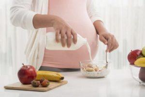 Gravidanza: più mamme obese ma diminuiscono quelle che fumano