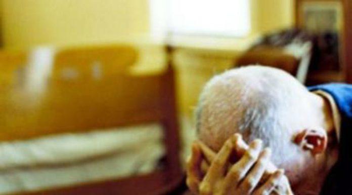 Coronavirus a Napoli: un anziano necessita della spesa. Lo aiutano i carabinieri