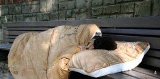 Aversa, baby gang aggredisce volontari della Caritas che aiutavano clochard