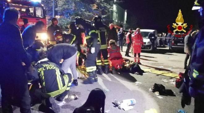 Tragedia ad Ancona: morti 6 ragazzi nella discoteca 'Lanterna Azzurra'