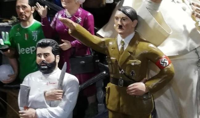 San Gregorio Armeno Hitler tra i pastori e scoppia la polemica