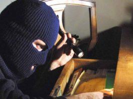 Salerno, la gang dei furti in casa: una decina di colpi in pieno giorno