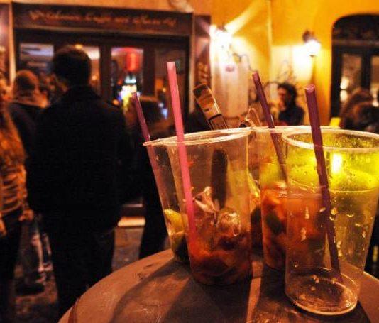 Cronaca di Napoli: chiuso un noto bar della 'movida di Chiaia'