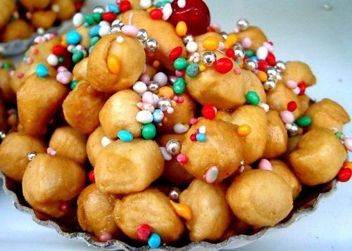 Gli Struffoli: un dolce della tradizione partenopea. Ecco la ricetta