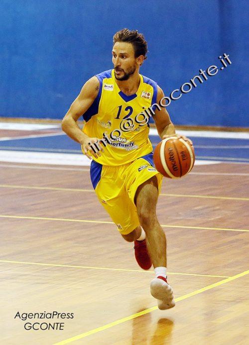 Basket: La Virtus Pozzuoli si arrende a metà gara al Basket Scauri