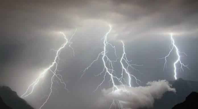 Allerta meteo in Campania, vento e temporali in arrivo