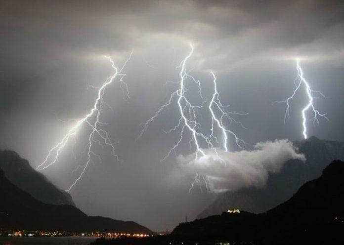Meteo Campania: allerta prorogata fino alle 14 di domani