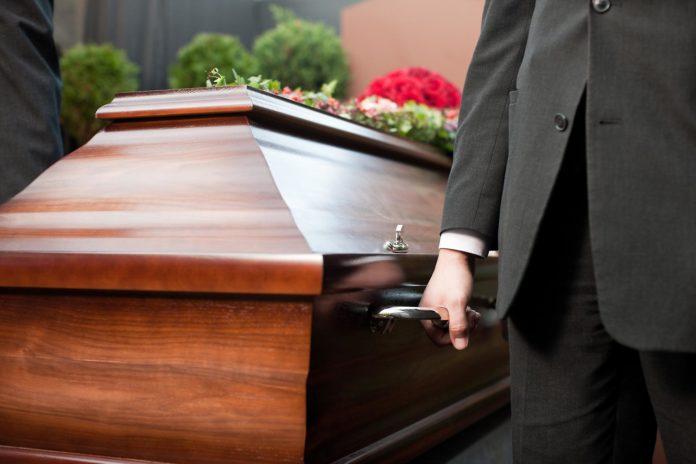 Cronaca di Avellino: è tutto pronto per il funerale, ma il 'morto' si risveglia