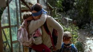 Bird Box challenge, è allarme per la nuova sfida che parte da un film Netflix