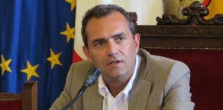 """Luigi de Magistris: """"Alleanza con M5S? A breve sciolgo le riserve sulle regionali"""""""