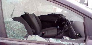 Napoli, Vomero: raid contro decine di auto parcheggiate in viale Raffaello