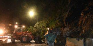 Ischia, frana a Casamicciola: isola tagliata in due e scuole chiuse