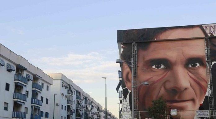 Scampia: quasi terminato il murales di Pasolini firmato da Jorit