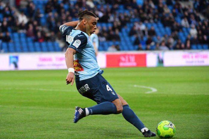 Calciomercato Napoli, l'agente di Moukoudi: