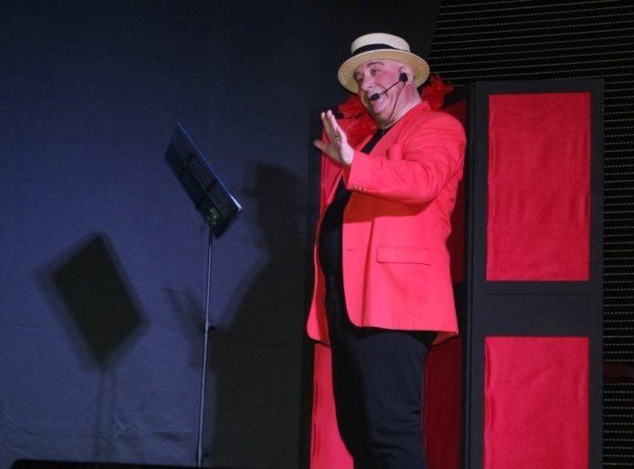 Pentagramma a colazione, la commedia di Nello D'Auria in scena al Teatro Troisi