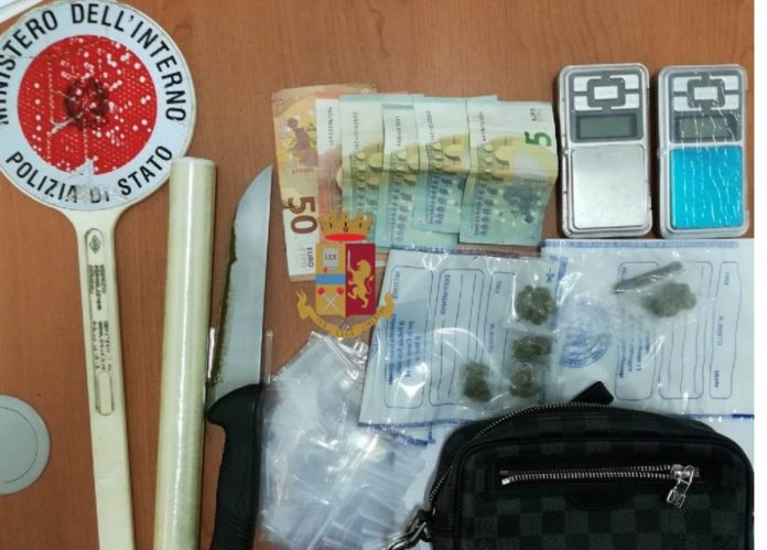 Afragola, altro blitz al rione Salicelle: due arresti e 22 denunce