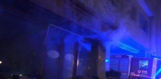 Paura in pieno Centro a Caserta: in fiamme il bar Flora Caffè