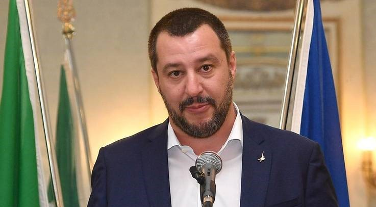 Salvini firma il decreto Province: 11 milioni per la Campania