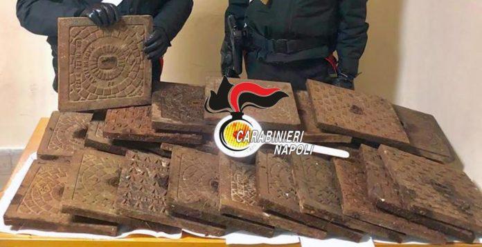 Napoli, furto di 26 tombini di ghisa al parco di Marianella: due arresti