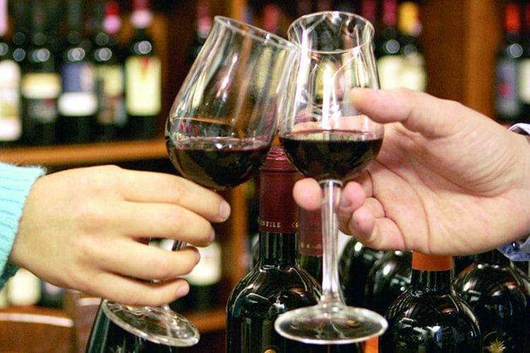 """Città europea del vino, polemiche sull'apertura a Napoli: """"Meglio nel Sannio"""""""